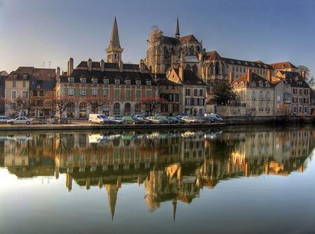 Charter fluvial en francia borgo a for Francia cultura gastronomica
