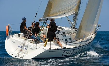 Barco Cantabria Infinita.