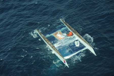 alt_tony-bullimores-33m-catamaran-capsized-off-cape-finistere8